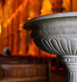 Agua bendita, velas e incienso : ¿los necesito para hacer liberación espiritual / orar?